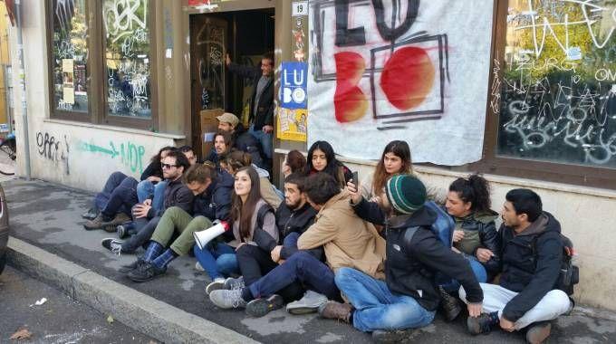 Gli studenti Lubo nello stabile di via Zanolini occupato