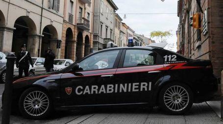 Un auto dei carabinieri davanti al comando di corso Mazzini