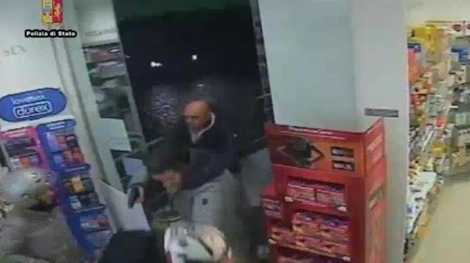 La rapina in farmacia a Bagno a Ripoli