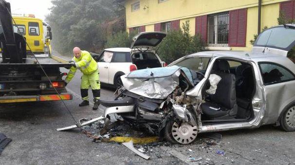 Incidente frontale fra auto a Lardirago: due morti sul colpo