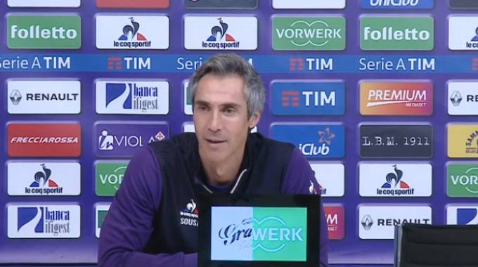 Paulo Sousa durante la conferenza stampa prima di Cagliari-Fiorentina