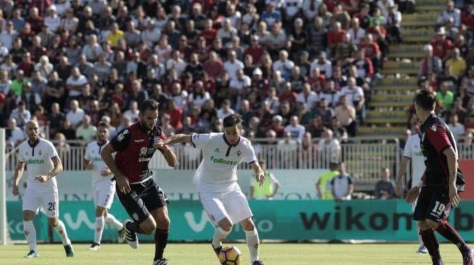 Cagliari-Fiorentina, Kalinic in azione (Ansa)