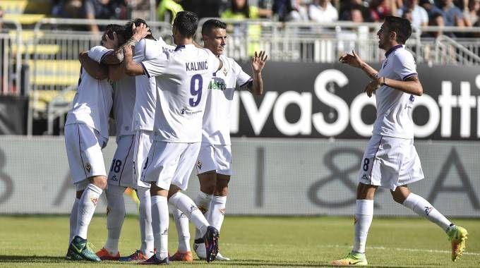 Cagliari-Fiorentina, esultanza viola (LaPresse)