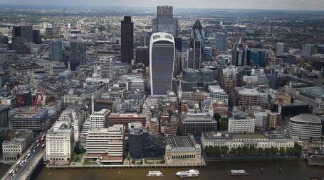 Una veduta aerea della City di Londra (Ansa)