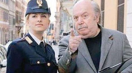 Lino Banfi in uno spot con la polizia