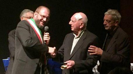 L'assessore castanese Luca Fusetti con Felice Monolo