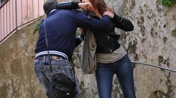 Sempre più donne aggredite