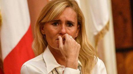 Le lacrime di Diana Bianchedi dopo l'ufficializzazione del ritiro della candidatura di Roma alle Olimpiadi