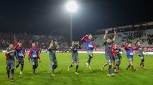 La gioia dei giocatori del Carpi al termine della sfida contro il Perugia vinta dai biancorossi per 2-0
