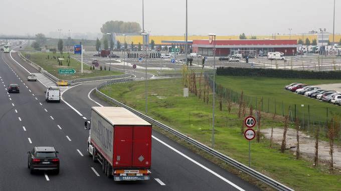 L'area di servizio Sillaro lungo l'A14 (Isolapress)