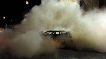 Terremoto nelle Marche, un'auto avvolta dalla polvere (Calavita)