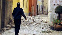 Visso, un muro crollato con il terremoto (Calavita)