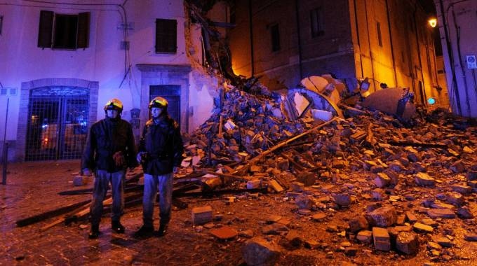 Terremoto, distrutto il centro di Camerino (Lapresse)