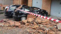 Terremoto, auto distrutte a Fabriano (Foto Di Marco)