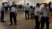 Gli agenti della polizia municipale