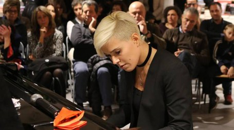 Giulia Mazzoni alla Feltrinelli Red (foto Marco Mori/New Pressphoto)