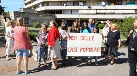 Via Malpighi, la protesta