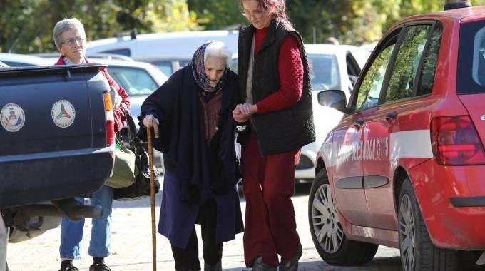 Il soccorso a un'anziana a Preci