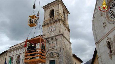 La torre civica di Norcia (foto Ansa)