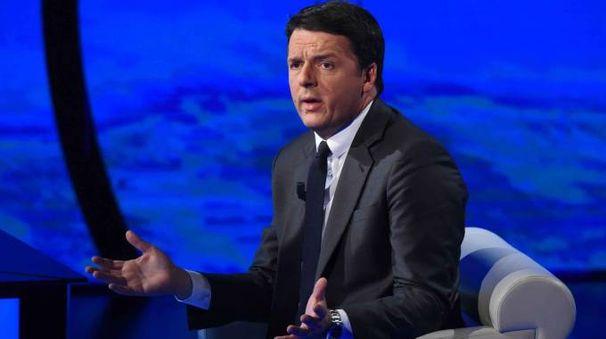Il premier Matteo Renzi ospite di 'Che tempo che fa' (Lapresse)
