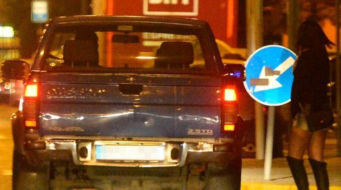 Per chi si ferma in auto vicino a prostituta prevista sanzione da 500 euro (Fotolive)