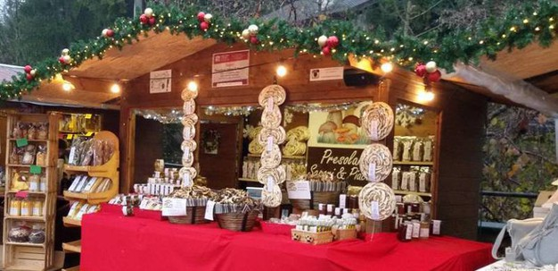 2 - Uno scrigno fatato: i mercatini di Natale di Castione della Presolana