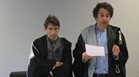 A destra Fabrizio Garofalo che ha emesso alla Spezia la condanna a un anno di reclusione