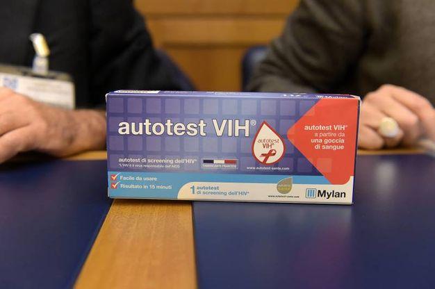 Autotest per Hiv, la presentazione in Italia dove è distribuito dalla Mylan (Imagoeconomica)