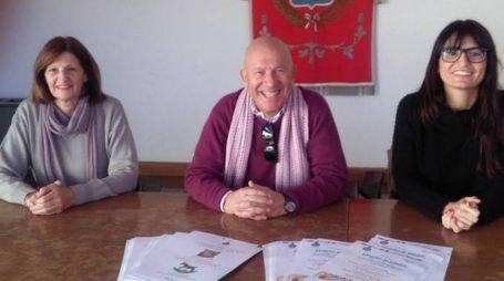 Cinzia Aloisini, il sindaco Pietrini e l'assessore Carola Baruzzo