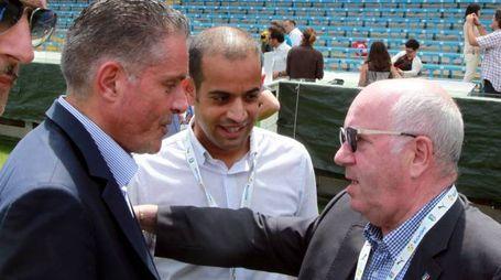 ALLEATI  Il sindaco Paolo Lucchi e il presidente della Figc Carlo Tavecchio, con l'assessore Castorri,  allo stadio Manuzzi di Cesena