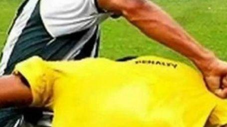 L'arbitro della sezione di Fermo sarebbe stato vittima di un vero e proprio linciaggio avvenuto in campo e negli spogliatoi da parte di giocatori, dirigenti e tifosi del Colle 2006