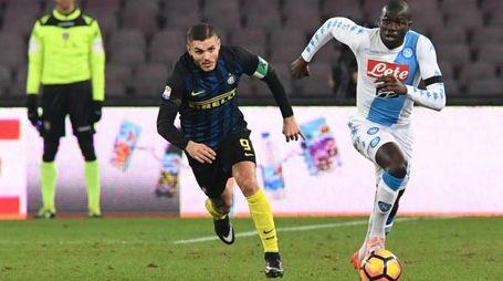 Icardi costretto a inseguire Koulibaly in Napoli-Inter