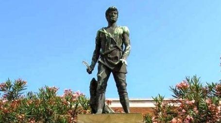 La statua del Villano