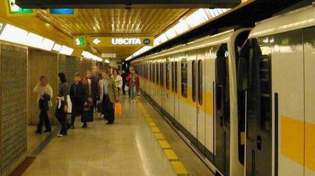Stazione metropolitana della linea M3 gialla a Milano
