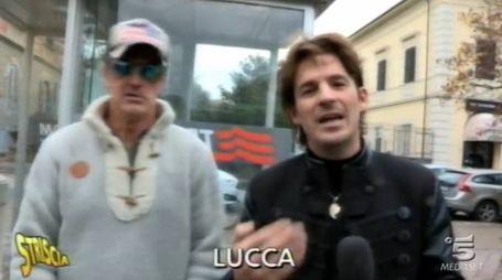 Blitz a Lucca del mago Antonio Casanova per Striscia la notizia