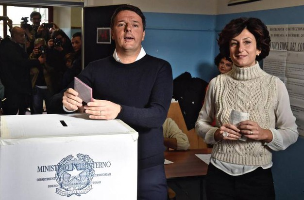 Matteo Renzi con la moglie Agnese Landini (Ansa)