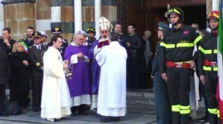 Il vescovo Agostinelli alla festa dei vigili  del  fuoco