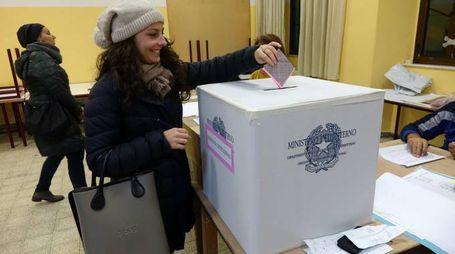 Un momento delle operazioni di voto