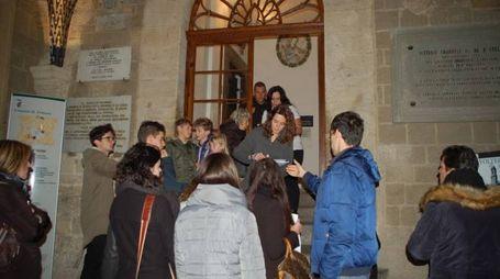 Le aspiranti comparse a Palazzo dei Priori (foto Alessandra Siotto)