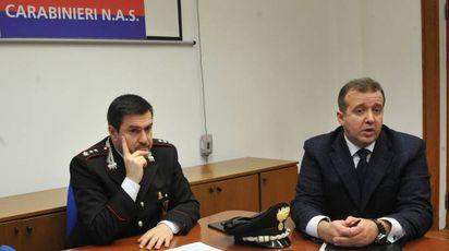 Da sinistra, il tenente colonnello del Nas, Alessio Carparelli e il capitano del Nas, Salvatore Pignatelli