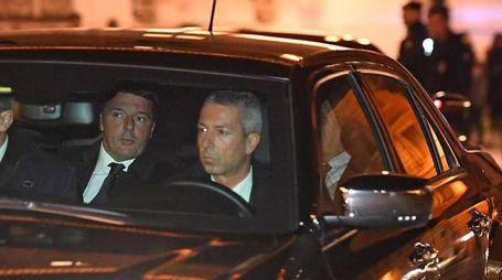 Il premier Renzi arriva al Quirinale (Ansa)