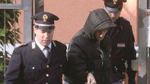 Luca Lorenzini accompagnato dagli agenti