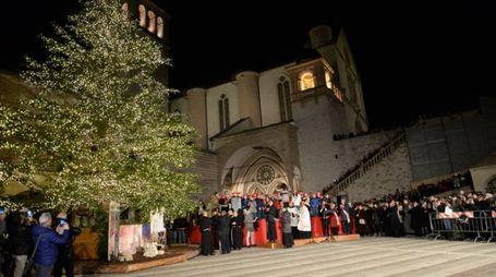 L'accensione dell'albero di natale ad Assisi
