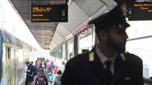 La polizia alla stazione di Milano (foto d'archivio)