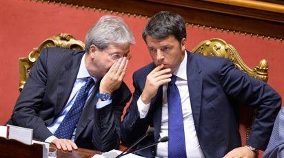 Paolo Gentiloni e Matteo Renzi (Imagoeconomia)