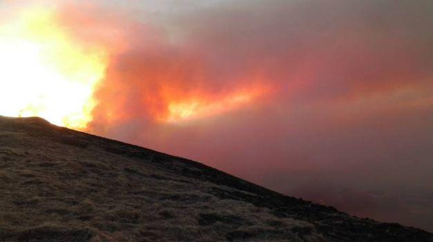 Incendio tra Emilia e Toscana in Appennino