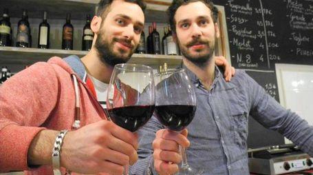 Gianluca e Tommaso Riccio dell'enoteca «I Frari»: si occuperanno del «Caffè delle Logge» insieme a Alessio Unicorni e Francesco Fratini