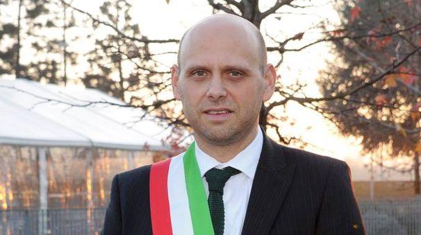 Il sindaco Raffaele Cucchi (Studio Sally )