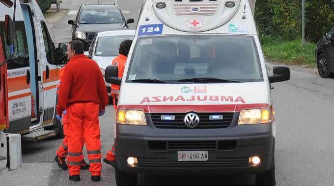 SUL POSTO Intervenuta anche l'ambulanza (repertorio)