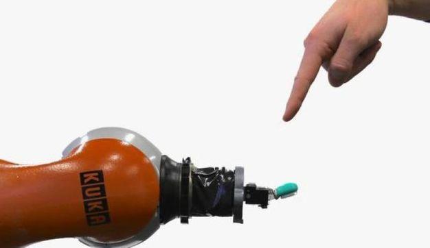 Il braccio robotico che prova dolore (Foto: Leibniz Universitat Hannover)